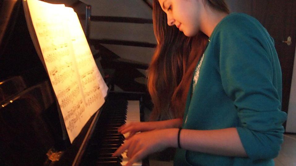 main_image_piano